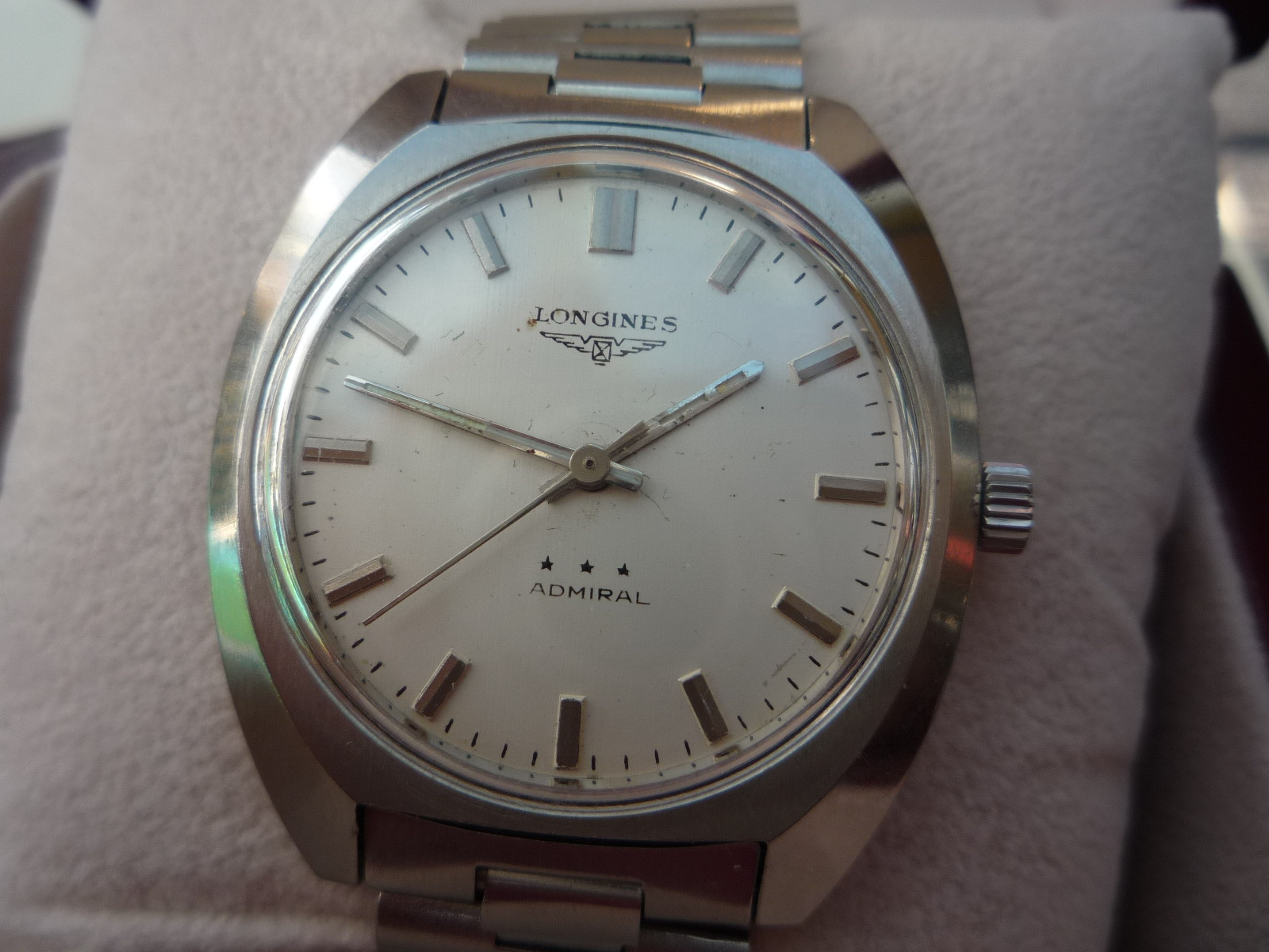 and caravelle secondhand vintage watches manual wind